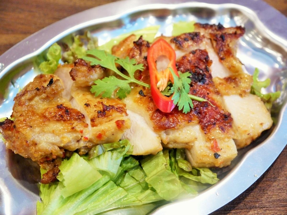 大腿鸡Tongara的虾和盐烤