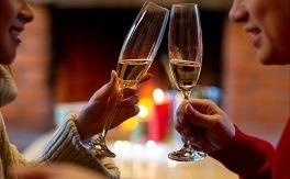 サシ飲みの意味とは?誘ってくる男性心理と脈ありの特徴