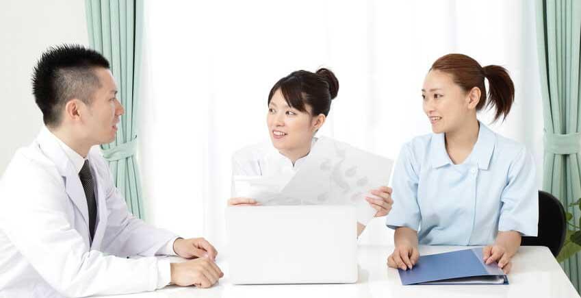 【歯科医師統計】医院スタッフ間での連絡方法の画像です