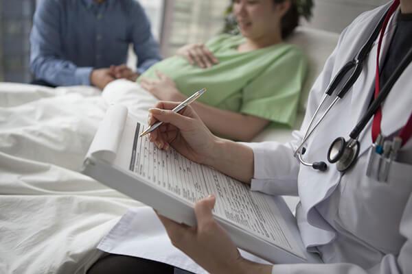 妊婦・授乳婦への歯科局所麻酔薬投与についての画像です