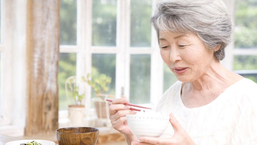 残存歯数と高齢者の体重減少に関連性の画像です