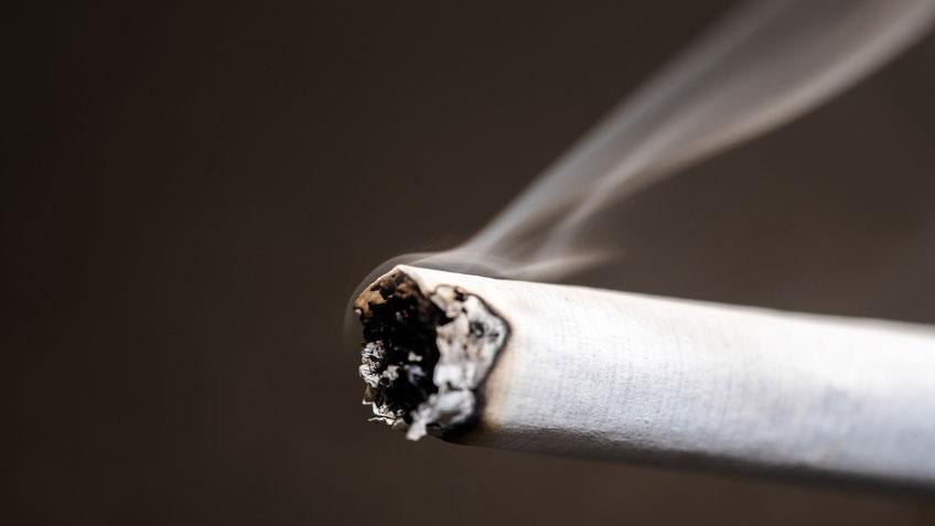 喫煙による口腔内細菌叢の変化 米国の画像です