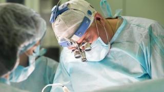 ナビゲーション技術を応用したインプラント手術 米国タフツ大学