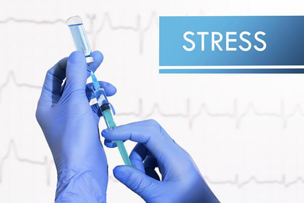 高齢者に対する歯科用局所麻酔剤の注意点