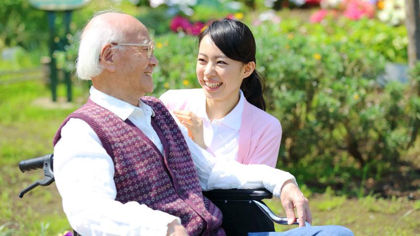 歯牙の保存と義歯の使用が高齢者の閉じこもりを防ぐ可能性の画像です