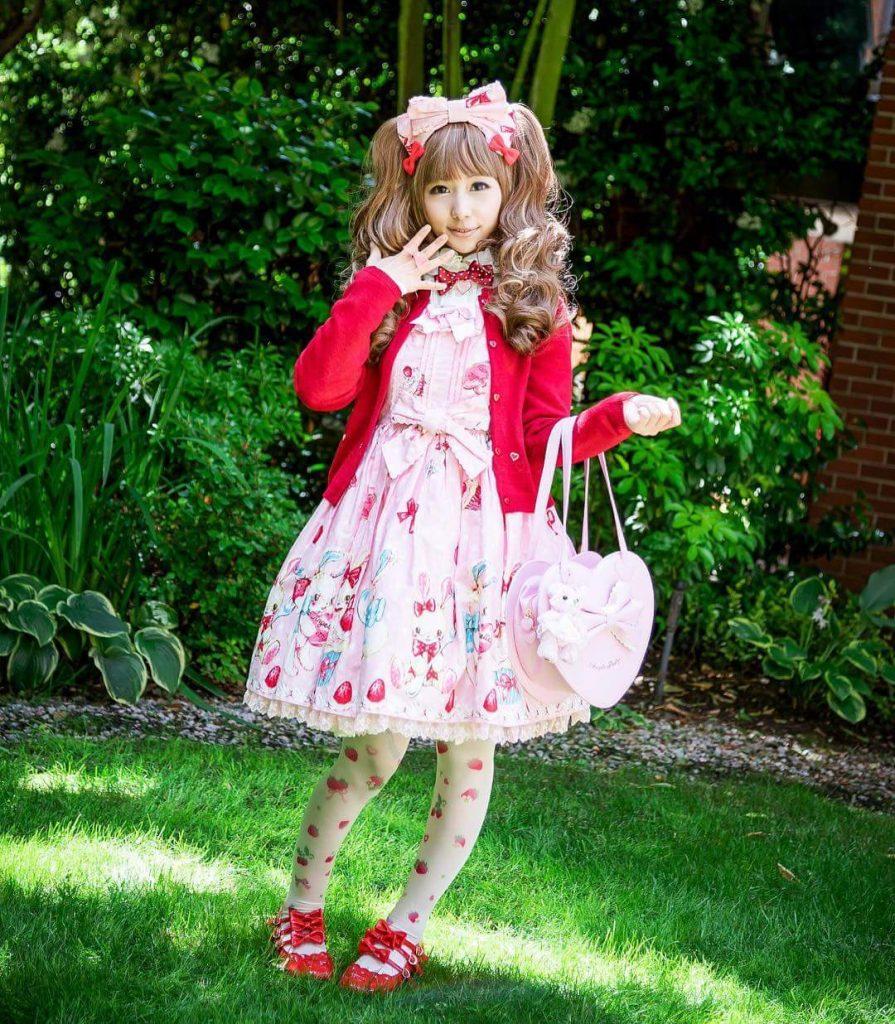 赤×ピンクの甘ロリでいちご狩りへ♡