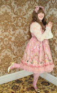 Julia wearing rose museum by Angelic Pretty.