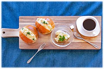 北海道が生産量日本一の「じゃがいも」を使ってお手軽に作れる「ポテトサラダのロールパンサンドウィッチ」