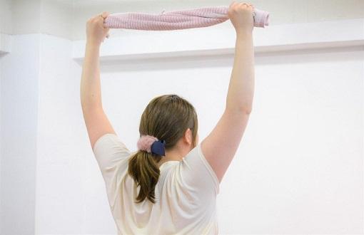 巻き肩改善エクササイズ