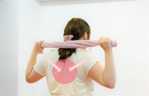 巻き肩改善エクササイズ_手順2