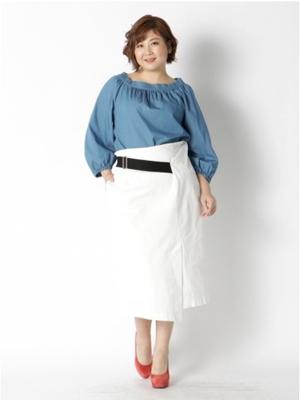 コットン素材のスカート ぽっちゃりさんの夏のオフィスカジュアル
