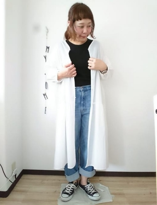 アウター代わりにしたシャツワンピースでシンプルな重ね着コーデに03 ぽっちゃり女子の楽ちんワンピースレイヤードスタイル(晩夏・秋コーデ)