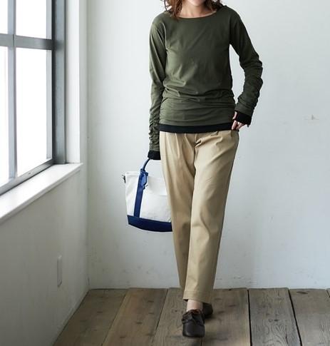 パンツだけではなくスカートとも相性がいいので一足持っておくととっても便利です。 ぽっちゃりさんにおすすめの秋シューズコーデ