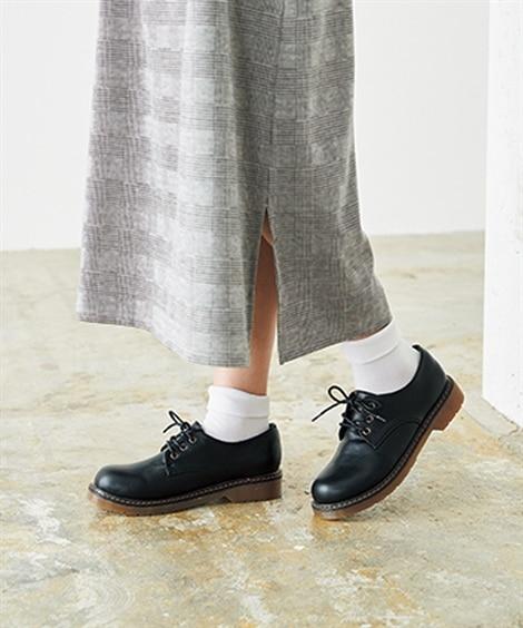 スイートなスカートには、おじ靴(おじさんぽい靴)で合わせたり ぽっちゃりさんにおすすめの秋シューズコーデ