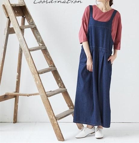 ちょっとだけシャープめなシルエットをスカートに合わせるとオランダの民族衣装に合わせた木靴みたいで可愛い ぽっちゃりさんにおすすめの秋シューズコーデ