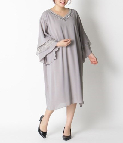 フレアワンピースドレス