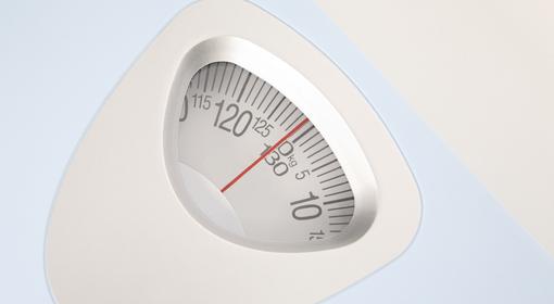 小太りな人が長生きするってホント? 体重と健康の関係とは