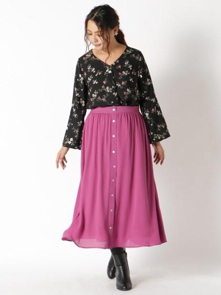 深みピンクの大人っぽいカラーがフェミニンさを盛り上げる!