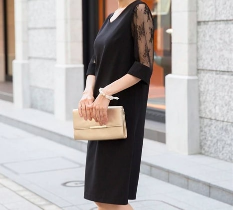 Iラインドレスでフォーマルな印象に ぽっちゃりさんにおすすめのフォーマル・パーディードレス