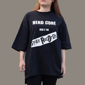 SPIKE RECORDINGS by HISASHI NERD CORE Tシャツ