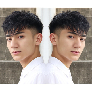 フェードカット メンズショート メンズスタイル スパイラルパーマ ヘアスタイルや髪型の写真・画像
