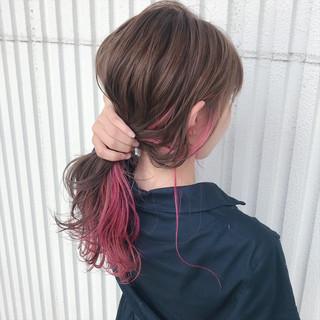 ナチュラル ウェーブ ロング インナーカラー ヘアスタイルや髪型の写真・画像