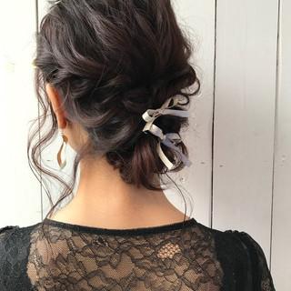 セミロング アンニュイほつれヘア ナチュラル ヘアアレンジ ヘアスタイルや髪型の写真・画像