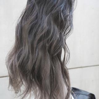 ロング ハイライト ガーリー グレージュ ヘアスタイルや髪型の写真・画像