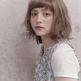 ボブ スタイリング フェミニン アンニュイほつれヘア ヘアスタイルや髪型の写真・画像