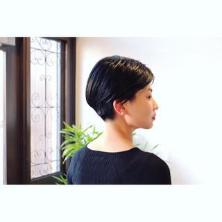 ベリーショート ハンサムショート 刈り上げショート モード ヘアスタイルや髪型の写真・画像