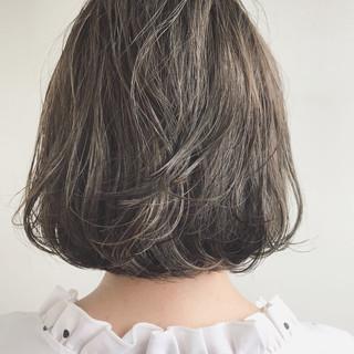 ボブ 外ハネ ナチュラル 大人かわいい ヘアスタイルや髪型の写真・画像