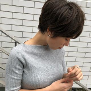 ベリーショート ナチュラル ショートヘア 大人かわいい ヘアスタイルや髪型の写真・画像