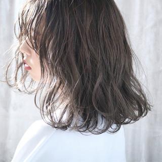 外国人風カラー パーマ ナチュラル 簡単ヘアアレンジ ヘアスタイルや髪型の写真・画像 ヘアスタイルや髪型の写真・画像