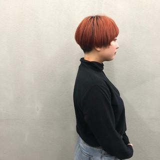 マッシュショート 簡単スタイリング 刈り上げ ショート ヘアスタイルや髪型の写真・画像