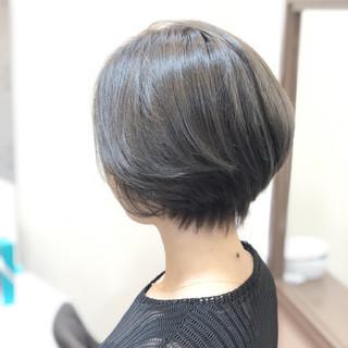 外国人風 上品 ショート ブリーチなし ヘアスタイルや髪型の写真・画像