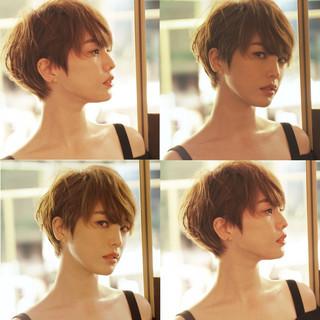 ハンサムショート 小顔ショート ナチュラル ショートボブ ヘアスタイルや髪型の写真・画像