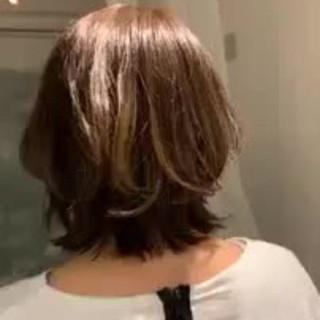 ボブ 切りっぱなしボブ ゆるふわ オフィス ヘアスタイルや髪型の写真・画像