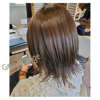 セミロング ナチュラル 切りっぱなしボブ 透明感カラー ヘアスタイルや髪型の写真・画像