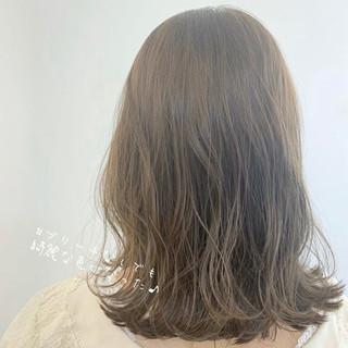 モテ髪 ミディアムレイヤー ミルクティーベージュ ナチュラル ヘアスタイルや髪型の写真・画像