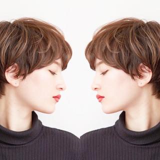 スポーツ オフィス パーマ エレガント ヘアスタイルや髪型の写真・画像