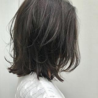 ロブ ミディアム 大人女子 ナチュラル ヘアスタイルや髪型の写真・画像