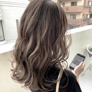 3Dハイライト デート セミロング 大人ハイライト ヘアスタイルや髪型の写真・画像