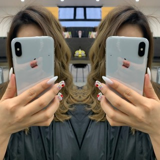 イルミナカラー グレージュ バレイヤージュ グラデーションカラー ヘアスタイルや髪型の写真・画像