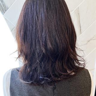 髪質改善 伸ばしかけ ミディアム ナチュラル ヘアスタイルや髪型の写真・画像