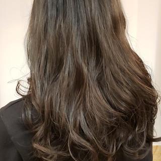 くすみカラー 外国人風カラー フェミニン 大人かわいい ヘアスタイルや髪型の写真・画像