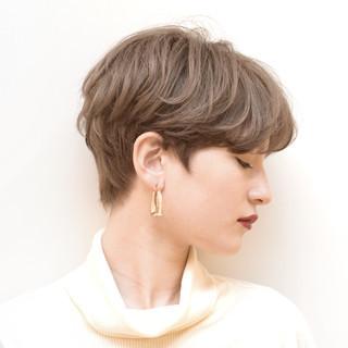 デート アンニュイほつれヘア ショート パーマ ヘアスタイルや髪型の写真・画像