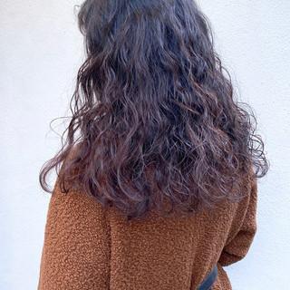 ゆるふわパーマ 前髪パーマ 簡単ヘアアレンジ デジタルパーマ ヘアスタイルや髪型の写真・画像