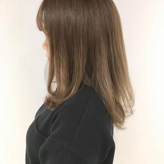 ガーリー シアーベージュ 3Dハイライト 大人可愛い ヘアスタイルや髪型の写真・画像