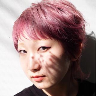 モード ラベンダーピンク ウルフカット ピンク ヘアスタイルや髪型の写真・画像
