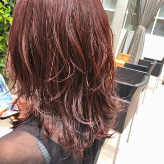 インナーカラー ピンクアッシュ サイエンスアクア ナチュラル ヘアスタイルや髪型の写真・画像